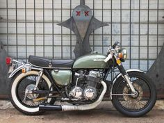 Trumps a crotch rocket Randall Randall Braakman Motos Honda, Honda Cb750, Honda Motorcycles, Cb750 Cafe, Cb550, Vintage Bikes, Vintage Motorcycles, Custom Motorcycles, Custom Bikes