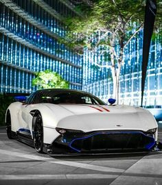 Aston Martin is known around the world as one of the premier luxury car makers. The Aston Martin Vulcan is a track-only supercar Aston Martin Vulcan, Aston Martin Db11, Aston Martin Vanquish, Super Sport Cars, Super Cars, James Bond Cars, Future Car, Sexy Cars, Dream Cars