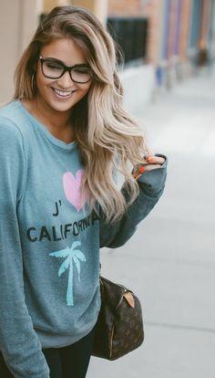 ombre blond frisur die sich für jede frau eignet lange haare blauer sweatshirt