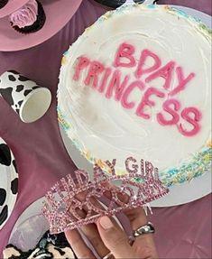 Cute Birthday Cakes, 14th Birthday, Birthday Photos, Disco Birthday Party, Birthday Balloon Decorations, Happy Birthday Balloons, Happy Birthday Banners, Cowgirl Party, Bday Girl