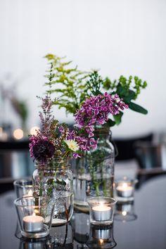 Wildflower wedding decor | Boyfriend/Girlfriend Pictures | Rubies and Ribbon http://www.boyfriendgirlfriendpictures.com/