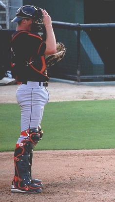 Another catcher, another grind-worthy bulge. Baseball Guys, Soccer Guys, Baseball Uniforms, Baseball Pants, Baseball Players, Soccer Humor, Football Humor, Sports Humor, Baseball Game Outfits
