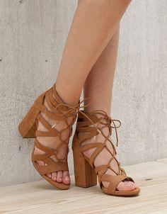 Sandale u trendi smeđoj nijansi stižu nam iz Bershke Pumps, Pump Shoes, Shoes Sandals, Heeled Sandals, Sock Shoes, Shoe Boots, Frauen In High Heels, Cute Heels, Womens High Heels