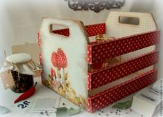 Decoupage Glass, Decoupage Vintage, Wood Crates, Wooden Boxes, Diy Mod Podge, Funky Painted Furniture, Country Paintings, Craft Markets, Handmade Soaps