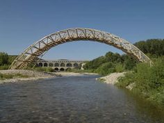 Winner of the 2014 Pritzker Prize, Shigeru Ban, created a Paper Bridge made out of paper tubes and built nearby to the Pont du Gard.