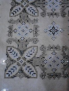 Beaded Embroidery, Cross Stitch Embroidery, Hand Embroidery, Cross Stitch Patterns, Machine Embroidery, Embroidery Designs, Palestinian Embroidery, Stitch Design, Cross Stitching