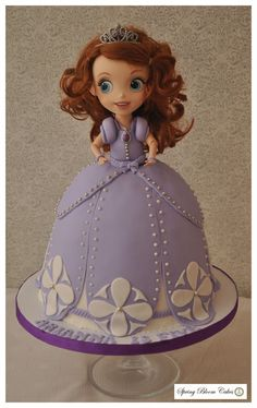 Destiny would love this cute cake,  wouldn't want to blow out the candles or cut the cake.