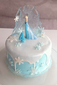 Eiskönigin Torte - Famous Last Words Elsa Birthday Cake, Frozen Themed Birthday Cake, Frozen Theme Cake, Frozen Themed Birthday Party, Disney Frozen Birthday, Themed Cakes, Disney Frozen Cake, 5th Birthday, Frozen Cake Pops