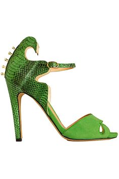 Aperlai Paris  Green Pebbles A Passion for Luxury Fashion and Watches: EMERALD GREEN PANTONE COLOUR OF THE YEAR - OUR SHOES SELECTION  http://www.greenpebblesblog.com/2013/01/emerald-green-pantone-colour-of-year_637.html#