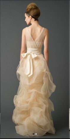Gown in ivory - Vera Wang