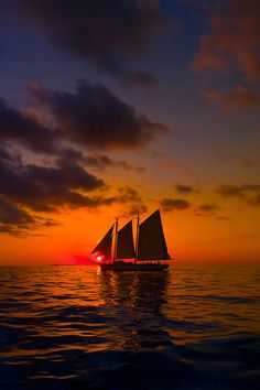 The schooner Western Union at sunset, off Key West, Florida Keys, Florida USA Key West Florida, Florida Keys, Florida Usa, Florida Travel, Usa Travel, Cool Pictures, Cool Photos, Beautiful Pictures, Beautiful Sunset