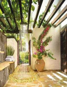 Pergola is usually found in any wedding parties. But it is also possible to make as outdoor decoration. Pergola trellis is one of big ideas to improve your ordinary terrace. It is functional for relaxing space in front of your… Continue Reading → Outdoor Baths, Outdoor Bathrooms, Outdoor Rooms, Outdoor Gardens, Outdoor Living, Outdoor Decor, Luxury Bathrooms, Outdoor Ideas, Party Outdoor