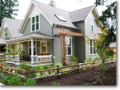 My dream home...  I <3 Ross Chapin houses.  They are small, but there's still room for everything.  Love 'em!