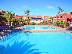 Villa+met+4+slaapkamers,+een+zwembad,+in+de+buurt+van+de+stad+en+het+strand,+satelliet-tv,+wifi++Vakantieverhuur in La Oliva van @homeaway! #vacation #rental #travel #homeaway