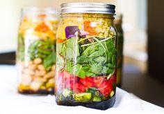 Salades en pot, plusieurs recettes et assemblages de base
