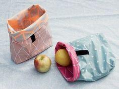 DIY tutorial: Sew An Oilcloth Lunch Bag  via DaWanda.com