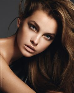 If you want to know what is the hottest makeup look right now, stay here and check out this post. All over the world, the nude makeup trend is hotter and hotter, they are understated yet quite classy for every woman to try on every occasion. It's an appropriate makeup look with some subtle wise[Read the Rest]
