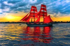 """""""Red Sails in the Sunset, Way out on the sea, O carry my loved one Home safely t. - ιστιοφόρα - Design de Carros e Motocicletas Old Sailing Ships, Tug Boats, Sail Away, Set Sail, Am Meer, Submarines, Tall Ships, Water Crafts, Lighthouse"""