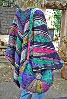 Ravelry: nadita's Promesas 2 In the beginning, there was a bag...(Test knitting for Heidrun) Then, I wanted to knit a poncho to do so. I have knitted a segment more than in the original pattern for more volume. Therefore fit no cuffs then.
