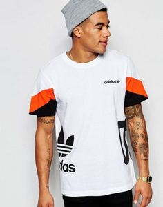 Buy adidas Originals T-Shirt in Colour Block at ASOS. With free delivery and return options (Ts&Cs apply), online shopping has never been so easy. Get the latest trends with ASOS now. Best Mens T Shirts, 3d T Shirts, Team T Shirts, Boys Shirts, Mens Tees, Adidas Originals, Football Outfits, Tee Shirt Homme, Asos