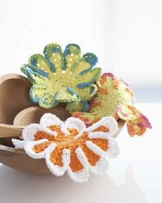 Crochet Flower Dish Cloths #FaveCrafts