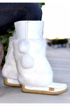 Buy the most comfortable boots made from the rabbit fur and leather with a crepe sole. Stay warm with these lightweight soft womens winter boots. Fur Boots, Bootie Boots, Shoe Boots, Shoes Heels, Rain Boots, Ankle Boots, Winter Wear, Winter Boots, Cute Shoes