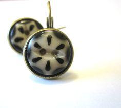 Antique button earrings, 1800s buttons