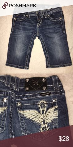 Miss me bramuda shorts! Good quality shorts with stretch! Cute design on the pockets. Can fit someone between a 24-26 Miss Me Shorts Jean Shorts