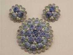 PRETTY! Vintage Blue Seashell Flower Cluster Brooch Earring Set | eBay