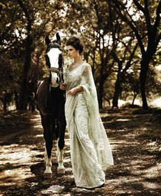 it just looks cool High Society, Looks Cool, Looks Style, White Sari, Provocateur, Maquillage Halloween, Mademoiselle, Equestrian Style, Indian Outfits