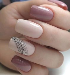 130 beautiful acrylic short square nails design for french manicure nails 3 Classy Nails, Stylish Nails, Simple Nails, Trendy Nails, Cute Nails, Black Nails With Glitter, Glitter Nails, Square Nail Designs, Nail Art Designs