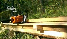 Make the simplest chainsaw sawmill using two boards and screws