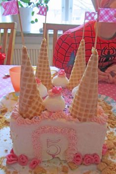 Prinsesstårta Food Humor, Princess Party, Creative Food, Sorbet, Holidays And Events, Party Themes, Birthday Cake, Ice Cream, Treats