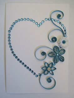 Quilling heart with flowers (blue). I love the use of quilling and rhinestones… Arte Quilling, Origami And Quilling, Quilling Paper Craft, Quilling Tutorial, Quilling Patterns, Quilling Designs, Card Patterns, Toilet Paper Roll Crafts, Paper Crafts