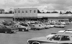 Salem Woodbury School Alumni WT Grants and Friendly's Ice Cream original location- Salem Plaza.  Oct 10, 1972.