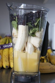 greysquirrels:  6 large bananas, juice of 3 oranges, spinach, and frozen blueberries