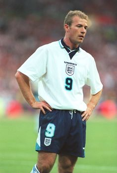With 30 goals for his country, Alan Shearer ruled the roost for England throughout the England Football Players, England National Football Team, England Players, National Football Teams, World Football, Soccer World, Football Kits, Play Soccer, Sport Football