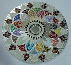 Mosaic Art, Mosaic Glass, Mosaic Tiles, Stained Glass, Mosaic Patio Table, Mirrored End Table, Cd Art, Mosaic Projects, Bunt