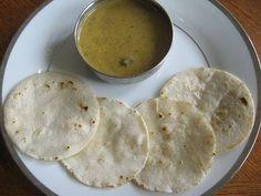 How to make Kerala Pathiri. Step by step instructions to make Kerala Pathiri . Healthy Indian Recipes, Ethnic Recipes, Kerala Recipes, Gluten Free Flatbread, Maharashtrian Recipes, Egg Curry, Kerala Food, Middle Eastern Recipes, Asian