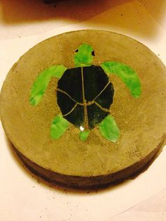Sea Turtle Stained Glass Stepping Stone on Etsy, $15.00 Mosaic Stepping Stones, Concrete Stone, Garden Stones, Painting Inspiration, Turtles, Stained Glass, Rocks, Gardening, Shapes