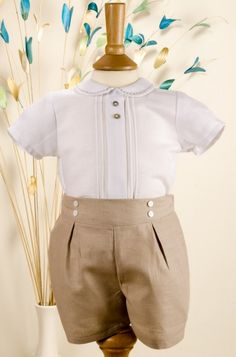 baby Paz Rodriguez Boys Beige & White Linen Cotton Shirt and Shorts/ Perfect to wear on sister's baptism. Baby Boy Dress, Baby Boy Outfits, Kids Outfits, Baby Boy Fashion, Toddler Fashion, Baptism Outfit, Designer Baby Clothes, Gown Pattern, Christening Gowns