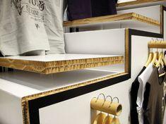Stand alla fiera di Monaco per HOME, produttore di abiti ed accessori. Realizzato completamente su misura in cartone ignufigo.  …