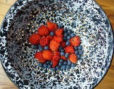 9 Fresh, Juicy Berry Varieties to Tempt Your Taste Buds: Salmonberries