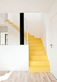Put a spring in your step with stairs painted a sunny hue to keep your house feeling bright - Photo: Painted Staircases, Painted Stairs, Spiral Staircases, Painted Floors, Interior Stairs, Interior Architecture, Interior Design, Yellow Stairs, Stairs Colours