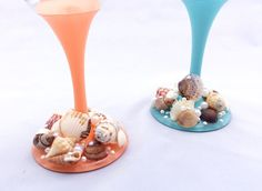 🐚Cheers to our new Sea Breeze Product Line!🌊 This Coral and Aqua painted Sea Shell set makes for a big impression! These glasses are 20 oz. and guaranteed to be show stoppers. Pour yourself (and a friend) a glass of Pinot while daydreaming about the tide pools of the world with these SeaShell, Pearl and Rhinestone glasses. Please remember:  Everything in our shop is handmade, Our products do NOT belong in the dishwasher. Handmade = hand wash! Use a soft, damp/soapy towel to wipe clean and…