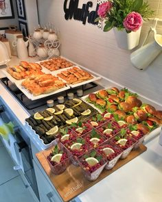 Breakfast Presentation, Food Presentation, Brunch Recipes, Appetizer Recipes, Food N, Food And Drink, Food Platters, Food Decoration, Food Design