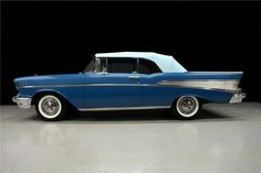 1957 BLUE CHEVROLET BEL AIR CONVERTIBLE
