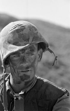 "American soldier during the Korean War. It truly is a shame how the Korean War tends to be a ""forgotten war"". Margaret Bourke White, Historia Universal, Korean People, Korean War, American Soldiers, Thing 1, Before Us, Life Magazine, Vietnam War"