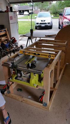 Mobile Workbench With Built-in Table & Miter Saws I've been looking at a lot of similar workbenches for a while, trying to find the right set up that would best utilize my woodworking tools and the space I have. Woodworking Bench, Woodworking Crafts, Woodworking Projects, Mobile Workbench, Workbench Plans, Workbench Stool, Garage Workbench, Garage Bench, Industrial Workbench