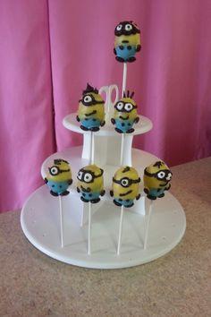 My minion cake POPS